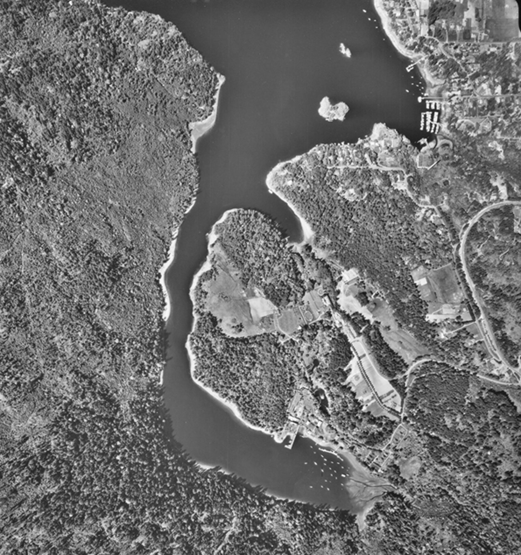 Aerial photograph of Tod Inlet and the Butchart Gardens, 1964 (BC Ministry of Sustainable Resources Management)
