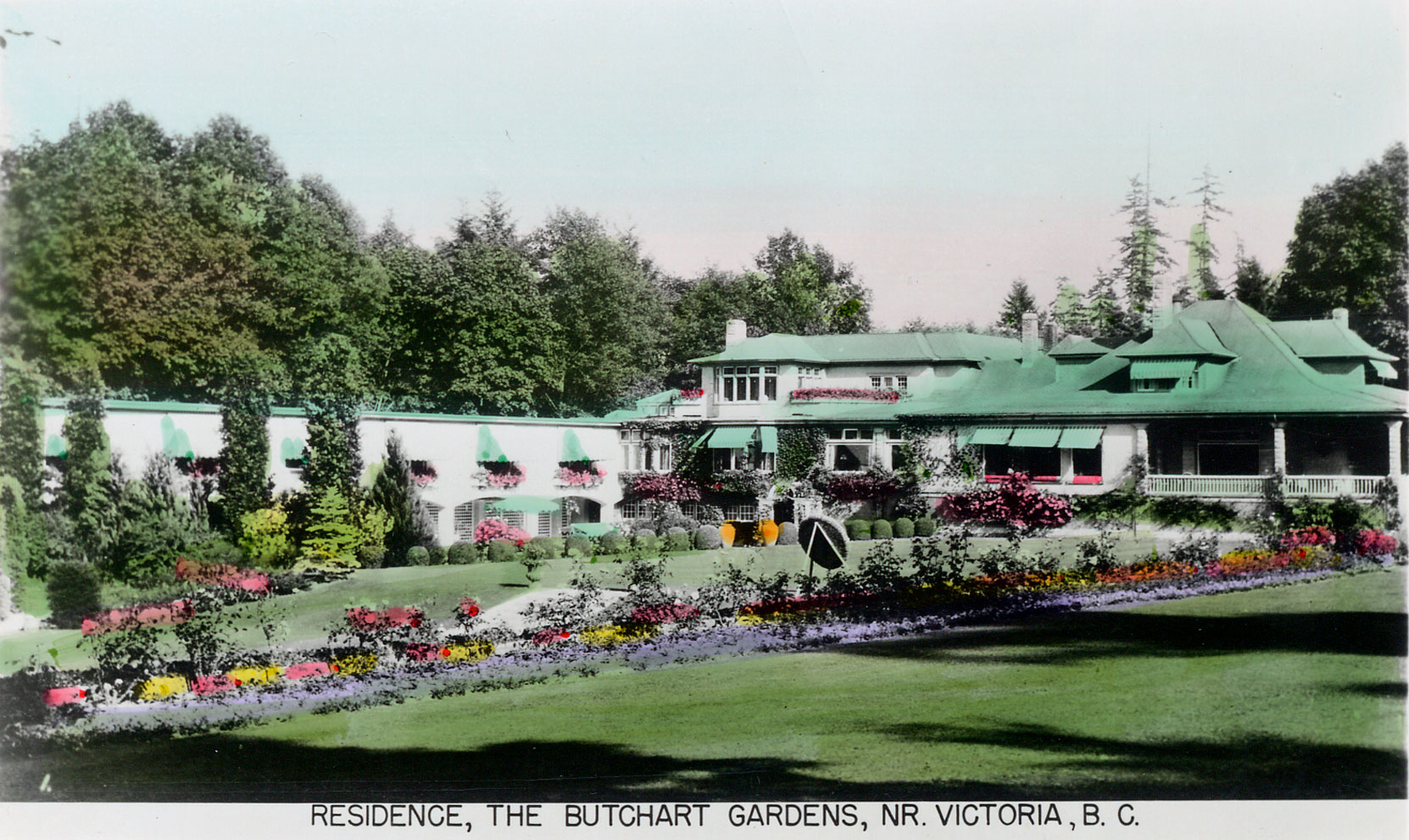 Postcard showing Benvenuto and the Italian Garden, circa 1930,, following construction of the 1929 addition to the east side of Benvenuto and the Italian Garden. (Author's collection)