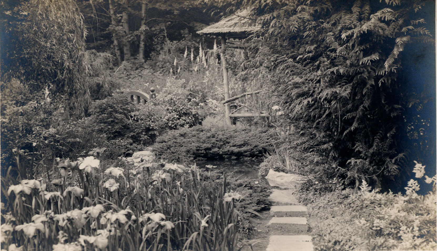 Postcard showing the Japanese Garden, , circa 1930's. (Author's collection)