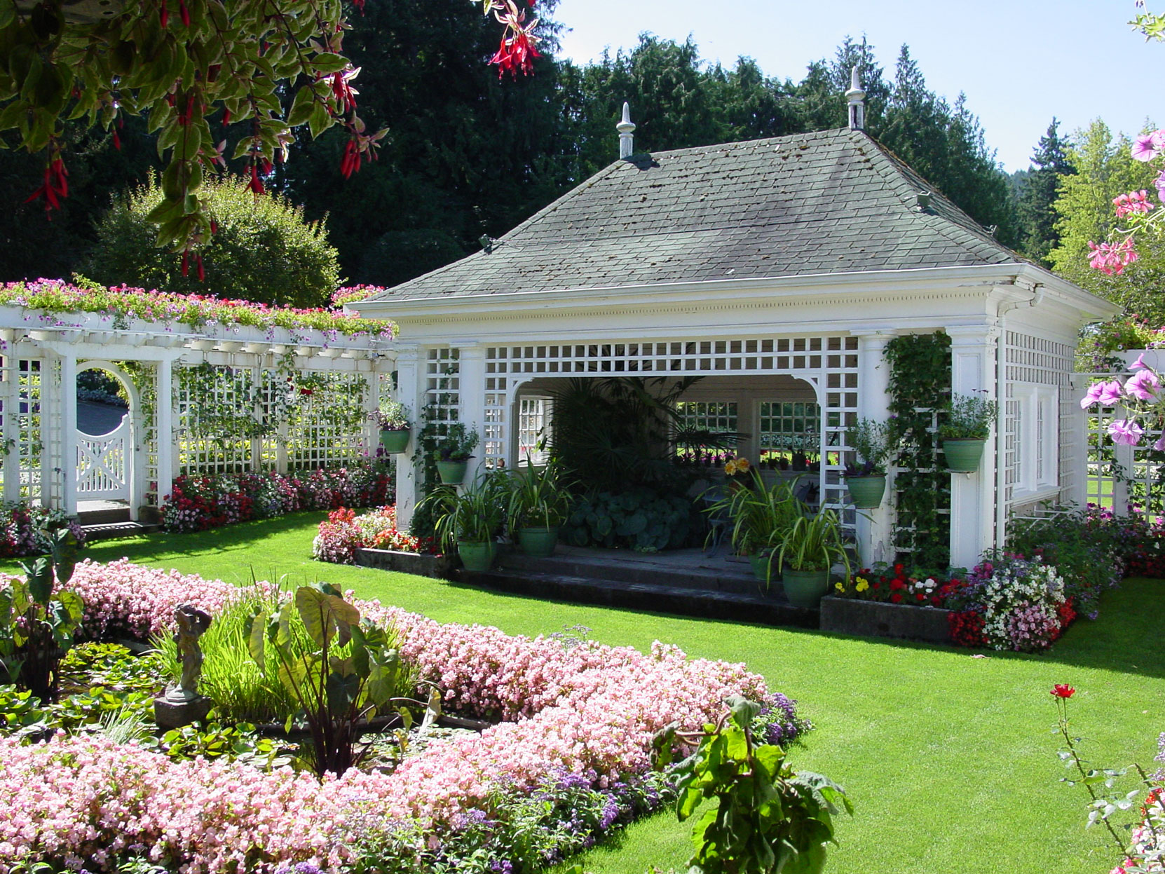 Jennie Butchart's Private Garden, designed and built in 1920-1921 by architect Samuel Maclure (photo by Author)
