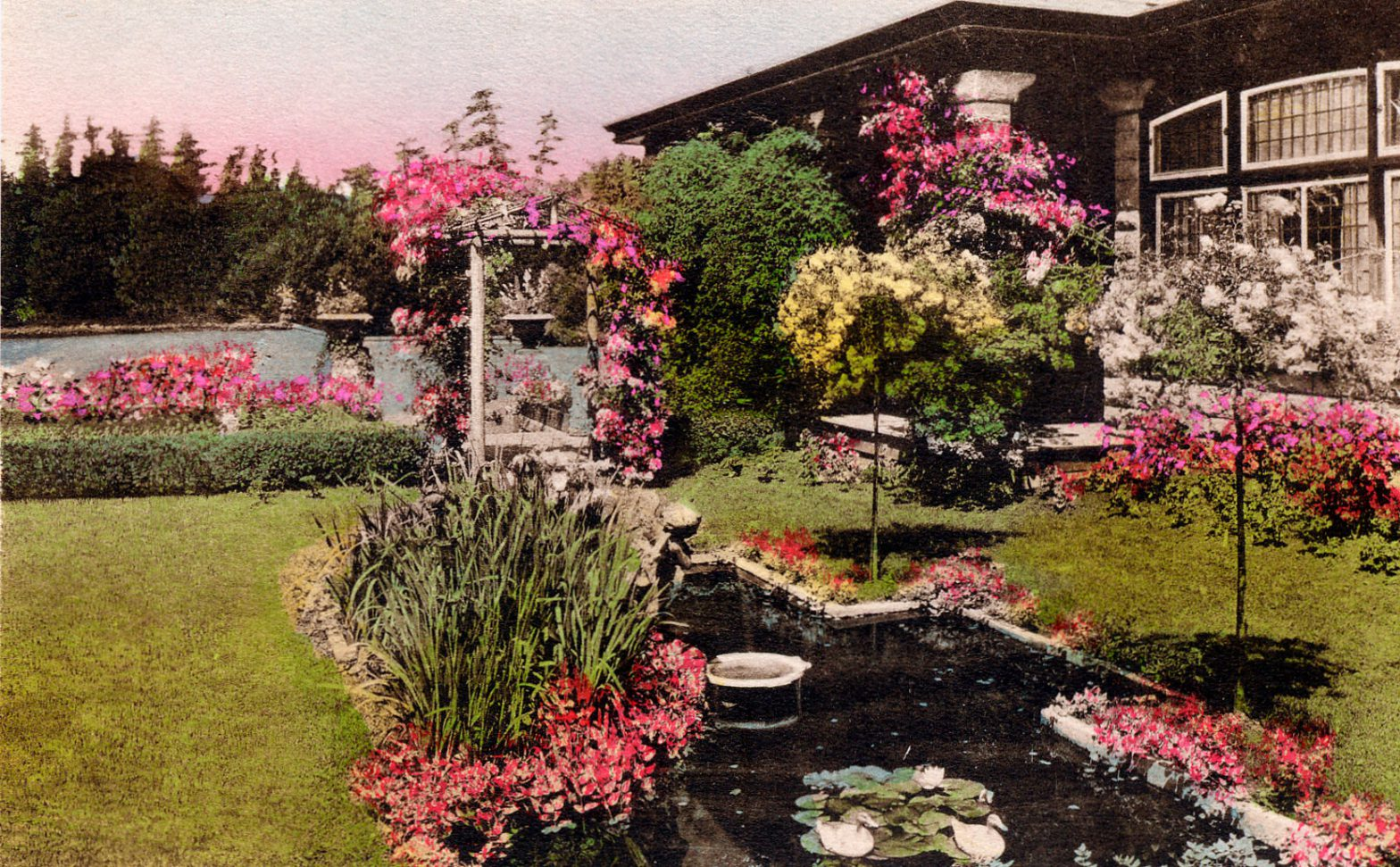 Postcard showing the 1911 Sun Room addition to Benvenuto and the site of Jennie Butchart's Private Garden, circa 1912-1919. (Author's collection)