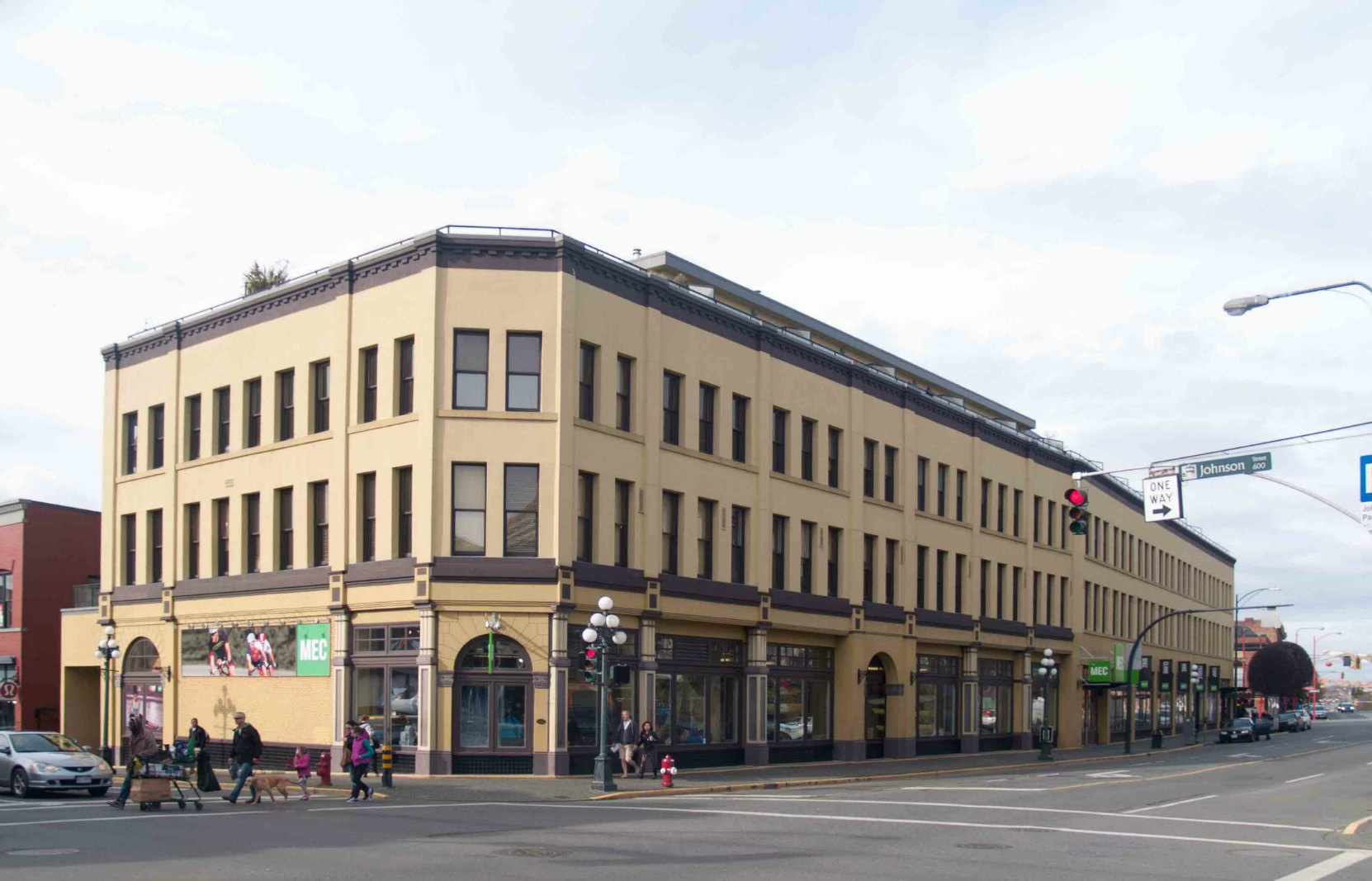 1450 Government Street was the Mac & Mac store in downtown Victoria until the 1960's. (Photo by Author)