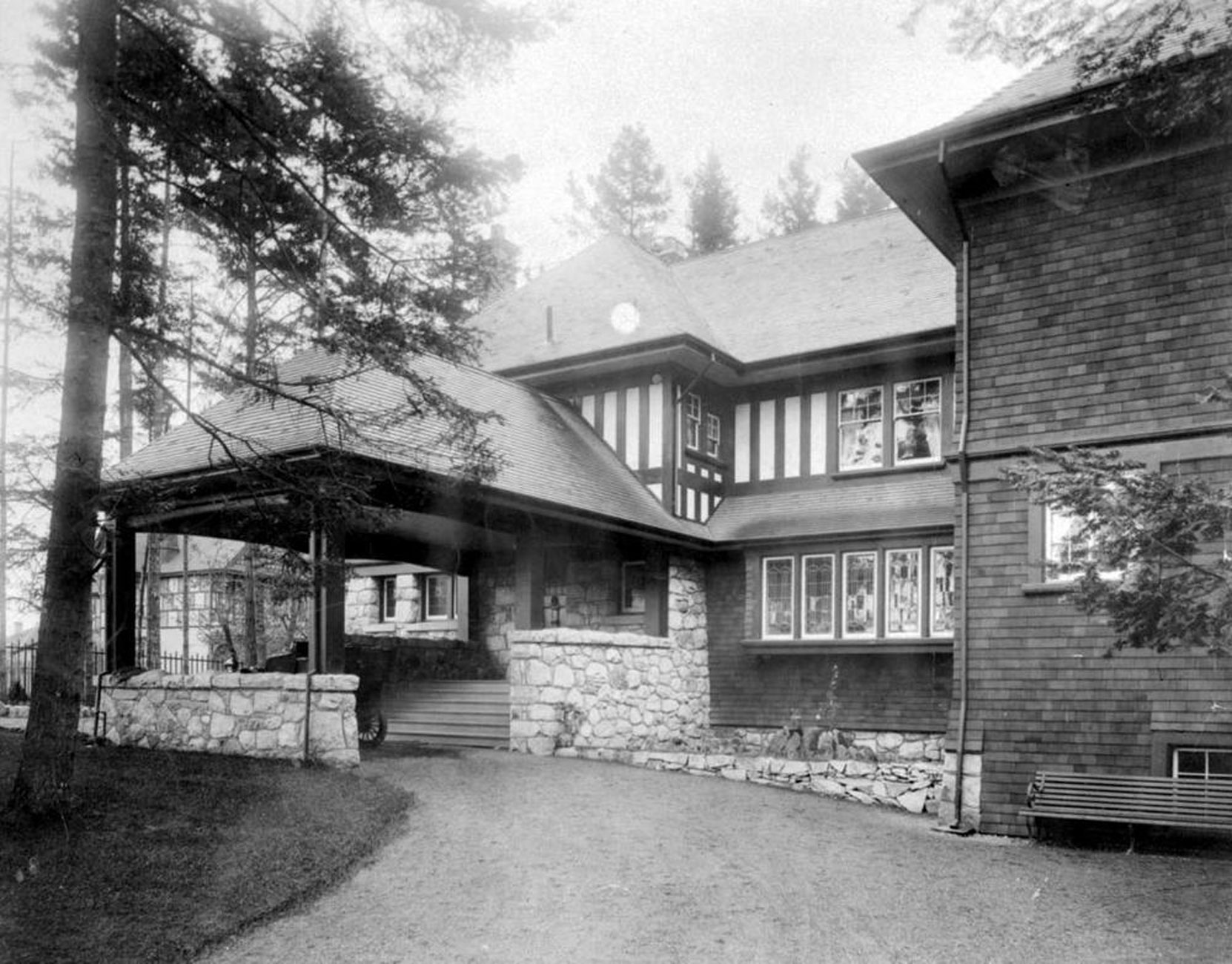 Captain James W. Troup's house (since demolished at 324 Maitland Street, Victoria, BC., circa 1920 (BC Archives photo C-08380)