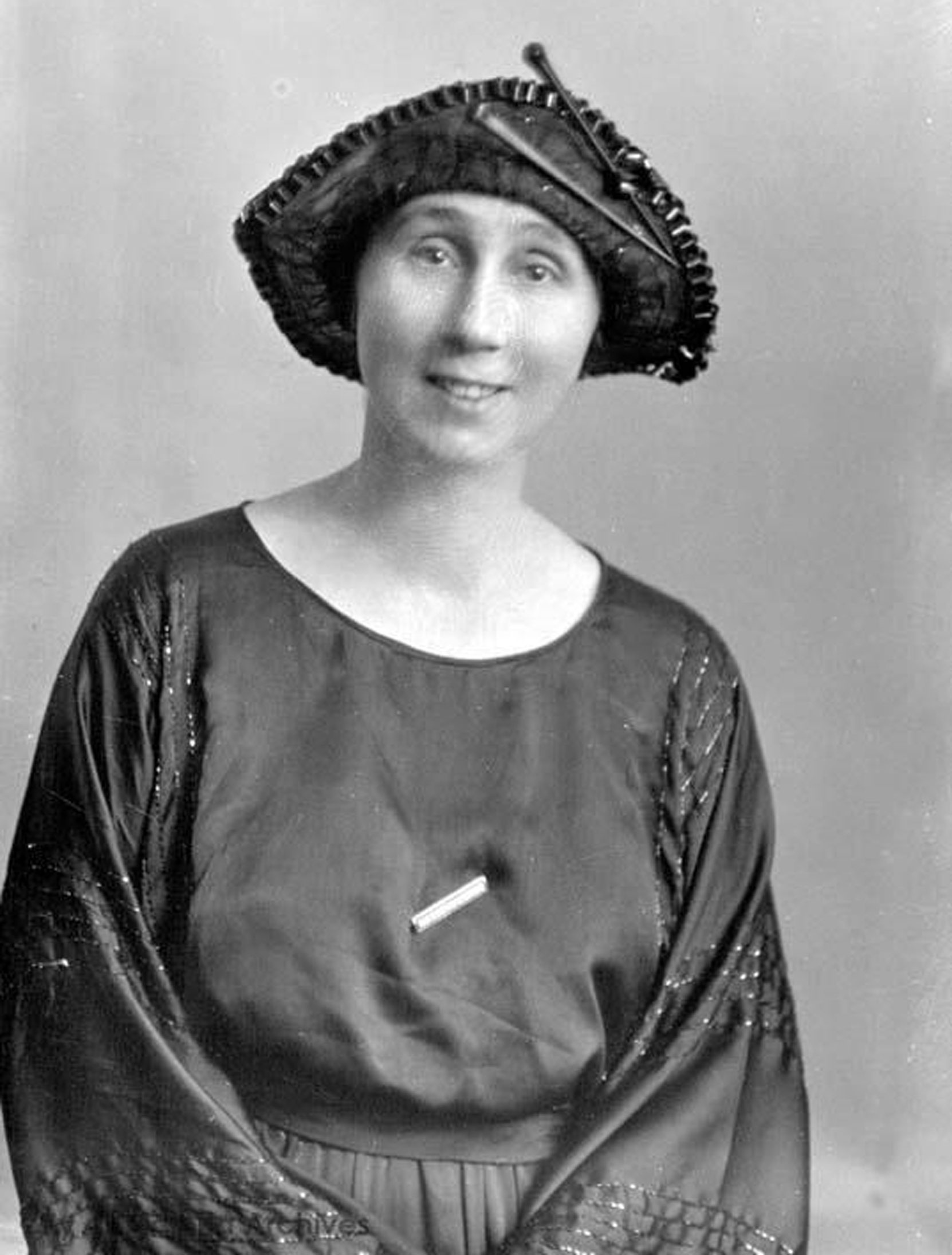 Mary Chatwin Butchart, the second daughter of Robert Butchart and Jennie Butchart. In 1910 she married William Todd. This photo was taken by Harry Upperton Knight in 1921 (City of Victoria Archives photo M0908)
