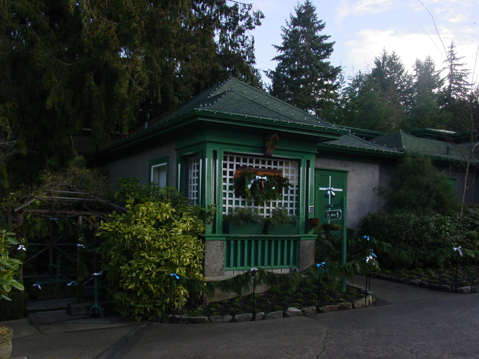"""The """"Chinaman's Cottage"""" designed by architect Samuel Maclure in 1917 as it appeared in November 2003. It is now a Men's washroom at Butchart Gardens. (Photo by Author)."""