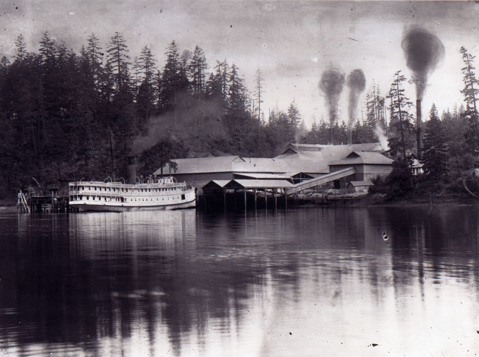 The CPR steamer Charmer at the Vancouver Portland Cement Company wharf, Tod Inlet, circa 1908 (BC Archives photo A-00024)